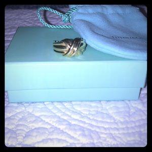 Vintage Tiffany & Co 18k gold X Ring.